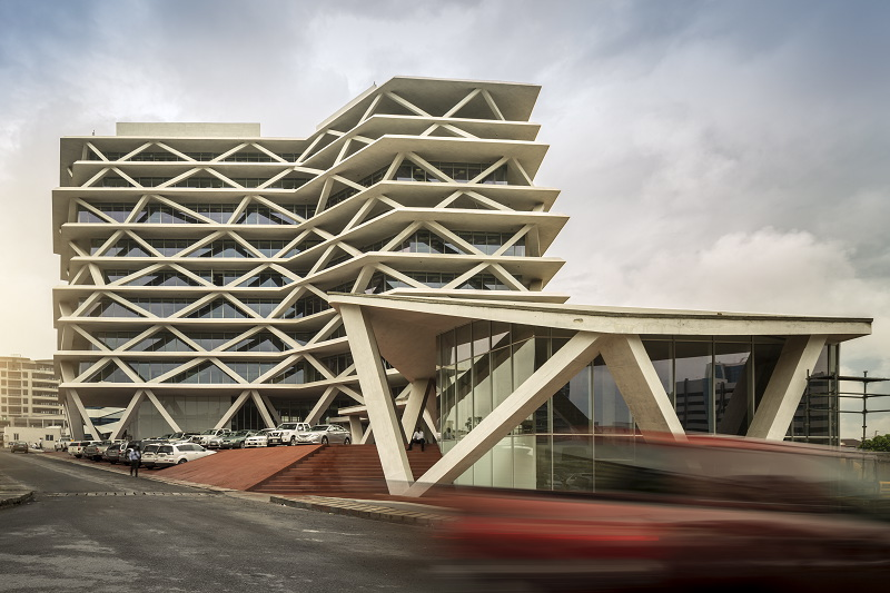 One Airport Square: tradition and sustainability details